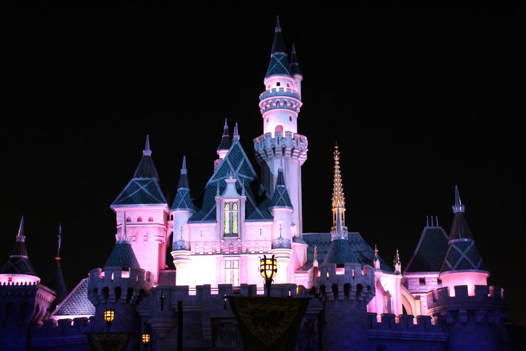 The castle was more majestic and impressive after dark! They did a really neat job with the lighting.